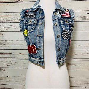 {CHIQLE} Denim Distressed Patchwork Vest